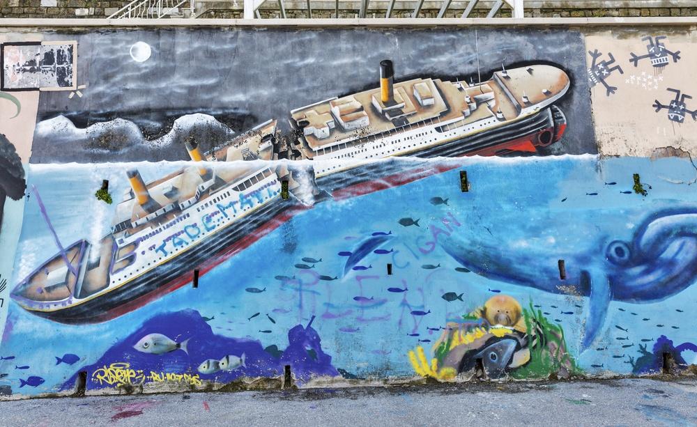 Titanic sinking grafitti