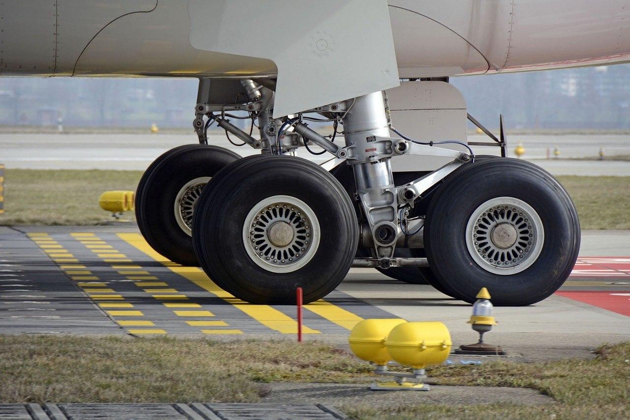 aircraft landing gear - hydraulics