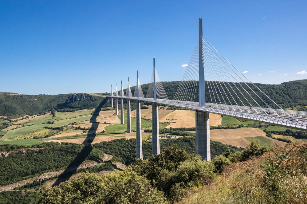 Great Engineering Feats - Millau Viaduct
