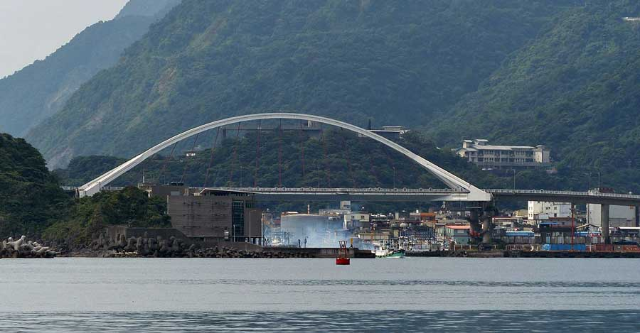 Taiwan-Nanfangao_Bridge_collapse